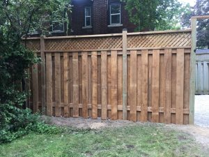 Privacy fence contractor